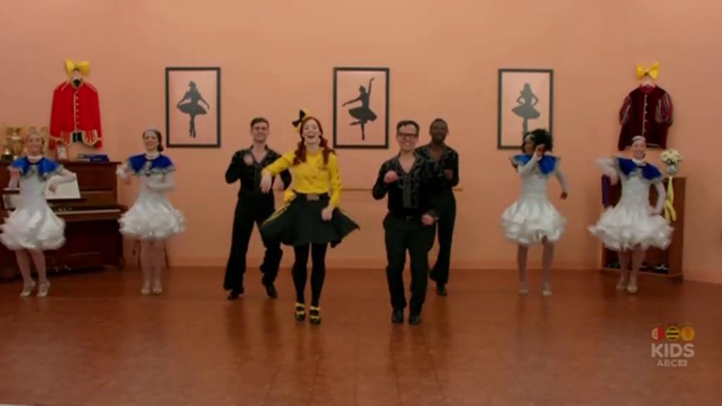 Emma & Francisco Baila Salsa