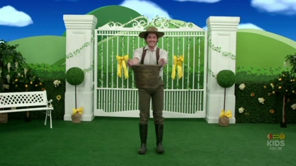 Picking Flowers (Emma! TV Series 2 episode)