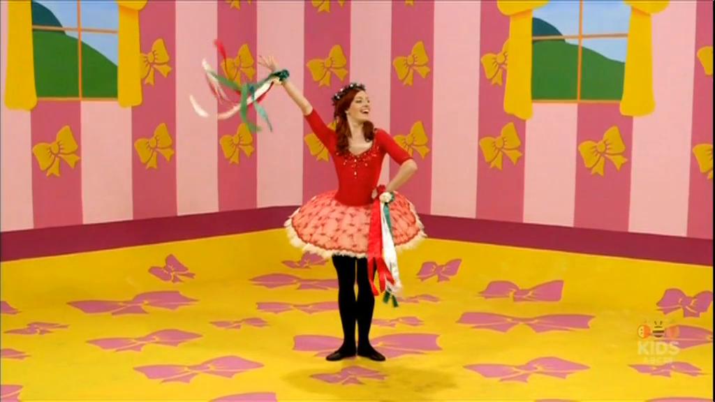 Emma Sings in Italian!