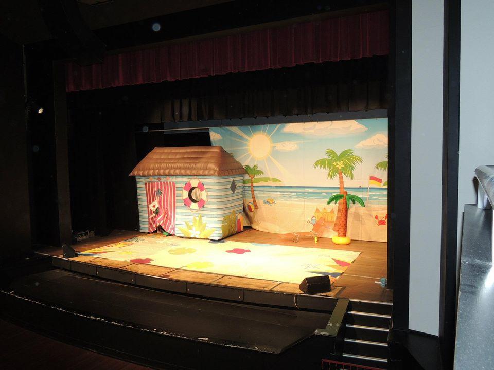 Dorothy the Dinosaur's Beach Party 2012/Gallery