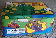 The-Wiggles-tin-lunch-box-with-Dorothy-The- 57 (2)