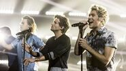 One Direction - Drag Me Down Live
