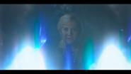 1х03 Стелла применяет ослепляющую магию