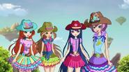 Блум, Флора, Муза и Текна в одежде для верховой езды 818