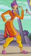 Триста танцует