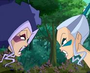 Айси и Сторми орут друг на друга