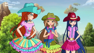 Блум, Флора и Муза в одежде для верховой езды 818