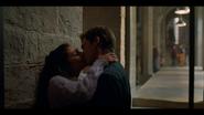 1х04 Муза и Сэм целуются