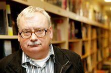 Andrzej-sapkowski-kezdetben-nem-hitt-a-the-witchersorozat-sikereben-es-ma-mar-nagyon-banja 1.jpg