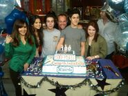 WOWP-Cast-Crew-Celebrate-Thier-100th-Episode-wizards-of-waverly-place-19281189-600-450