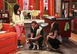 1x08 alex, jerry and theresa with the dog