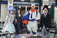 Jennifer, selena, john and david behind the scenes Captain Jim Bob Sherwood
