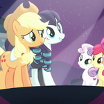 Applejack on stage with Coloratura and the CMC S5E24.png