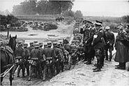 218px-Bundesarchiv Bild 183-S55480, Polen, Parade vor Adolf Hitler