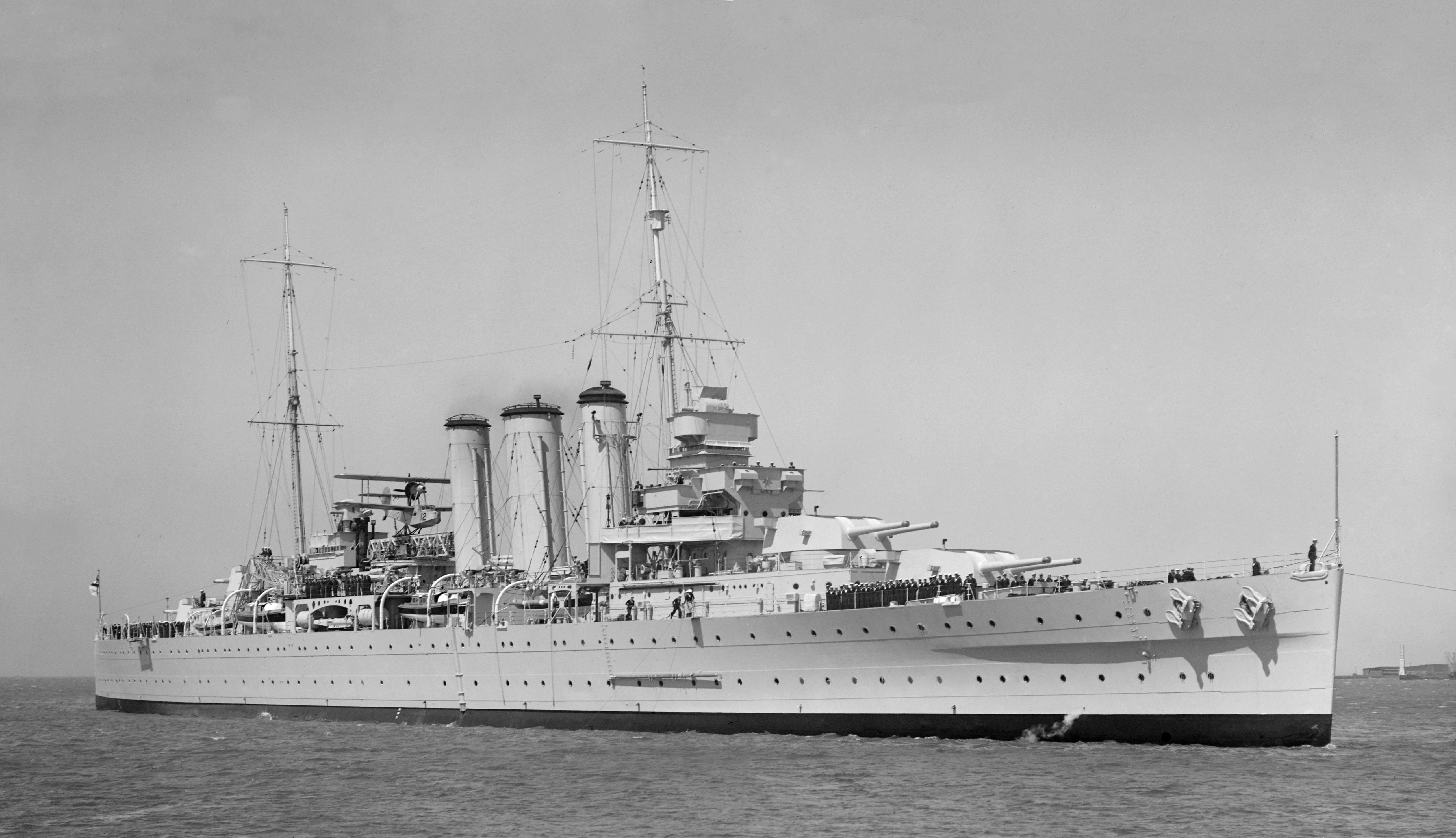 HMAS Australia (D84)