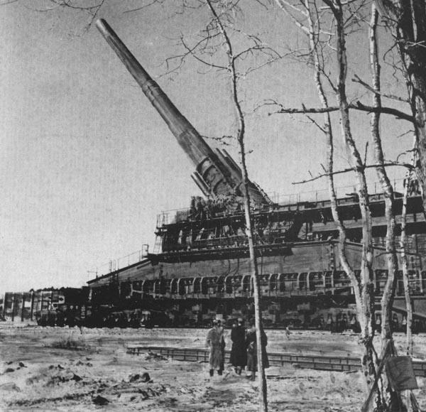 Dora/Schwerer Gustav K. (E) Rail Gun