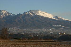 800px-Mt.Asama (From saku city).jpg