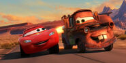 Cars-2-movie-review-lightning-mcqueen-mater-radiator-springs-racing-ending-owen-wilson-larry-the-cable-guy-600x300