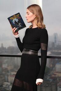 Rosamund Pike reading.jpg