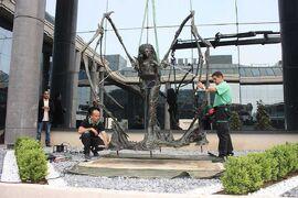 Kerrigan Statue9.jpg
