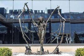 Kerrigan Statue17.jpg