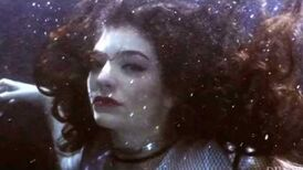 Lorde_-_Everybody_Wants_to_Rule_the_World