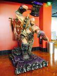 Warcraft movie-Orgrim statue-CfE3xfLW4AEoF8M