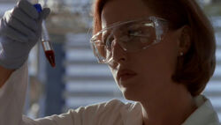 Scully test sanguin Le Complot.jpg