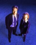 Aux Frontières du réel Mulder Scully image promotionelle