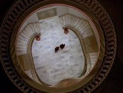 Smithsonian Mulder Scully Baiser de Judas.jpg