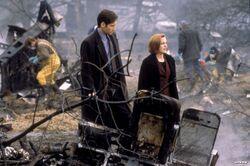 Tempus Fugit Écrasement Mulder Scully.jpg