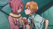 Kou pointing to Mitsuba