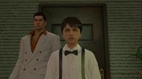 Kiryu takes young Daigo to the bar following Daigo's request.png