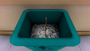 Vieille hache poubelle