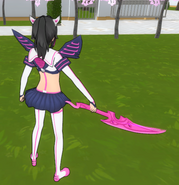 Yanketsu holding knifeblade