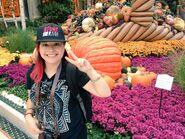 Kim in LA with Pumpkin