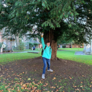 Tubbo under a tree