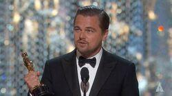 Leonardo_DiCaprio_winning_Best_Actor