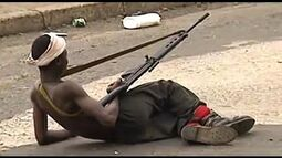 LIBERIA_FIGHTING_CONTINUES_AS_INTERNATIONAL_AID_THREATENS_TO_LEAVE