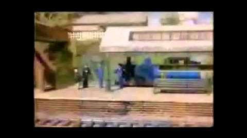 (OLD) YouTube Poop Tomax Flips Off The Cops