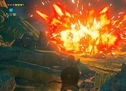 Explosión causada por flecha explosiva