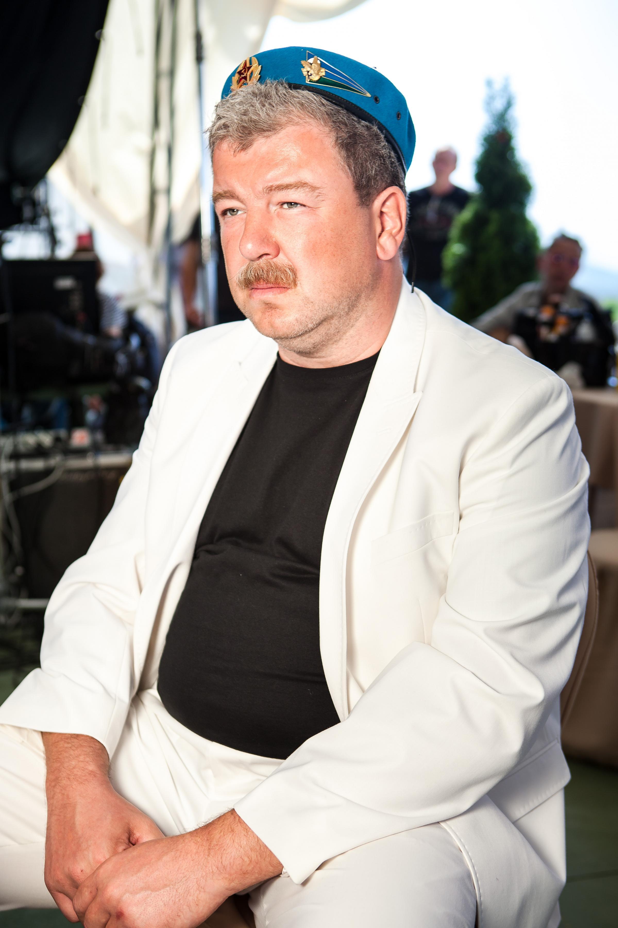 Виктор Каравай