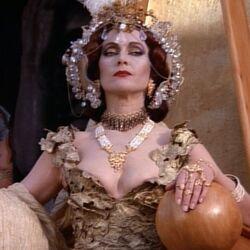 Королева Омфала (Геракл и затерянное королевство)